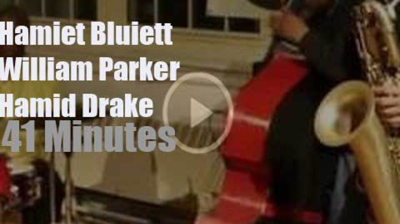 Hamiet Bluiett, William Parker and Hamid Drake improvise freely (2016)