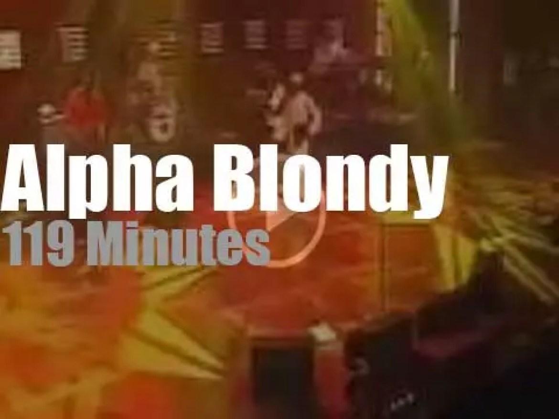 Alpha Blondy sings 'Peace' in Paris (2009)