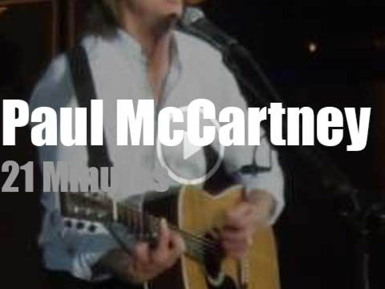 Paul McCartney takes Paris down memory lane (2016)