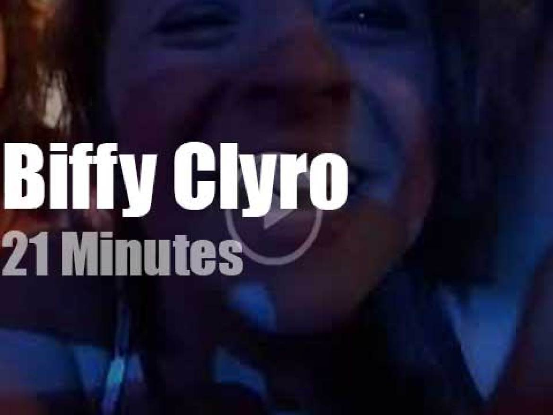Biffy Clyro rock Ibiza  (2013)