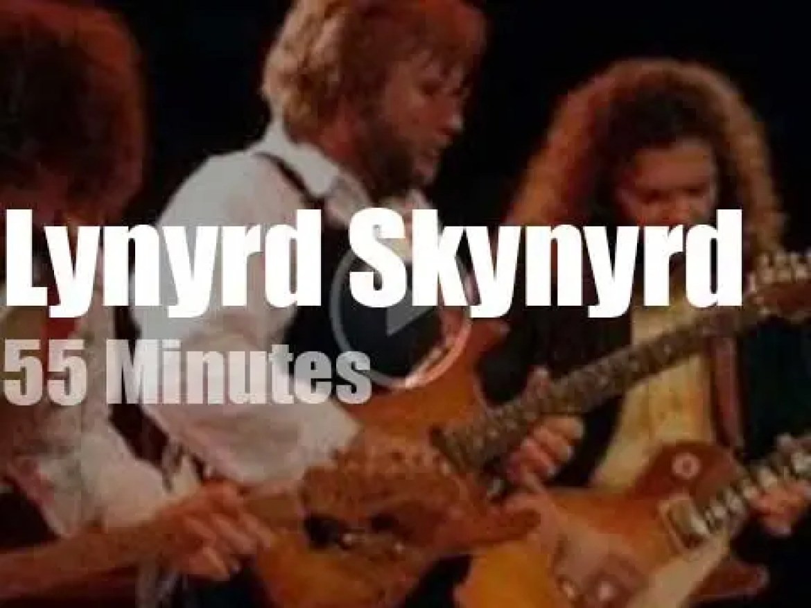 Lynyrd Skynyrd give their first concert, 10 years after the plane crash (1987)