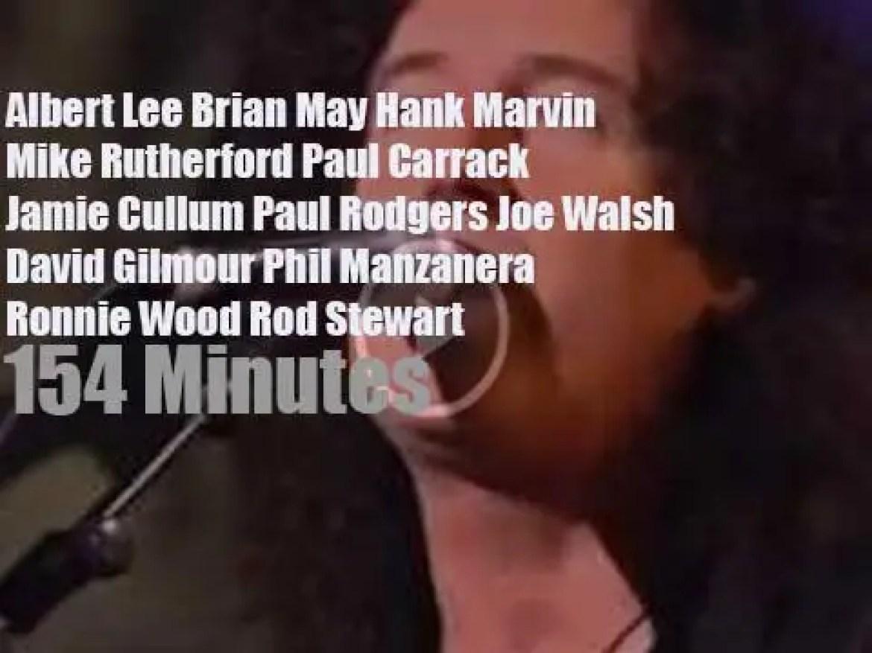 Albert, Brian, Hank et al celebrate 50th years of the Stratocaster (2004)