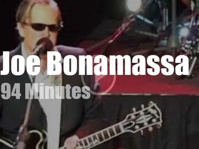 Joe Bonamassa travels to Australia (2016)