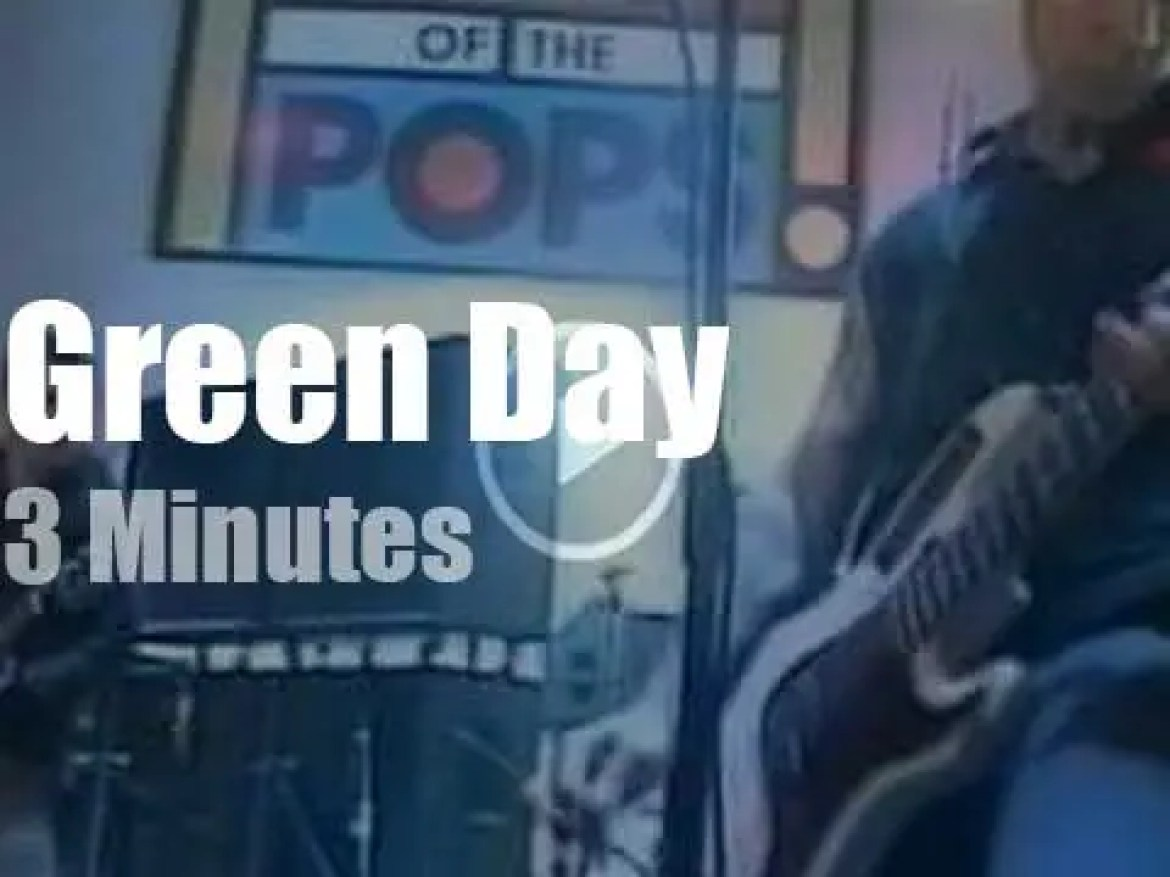 On British TV, Green Day at 'Top Of The Pops' (2000)