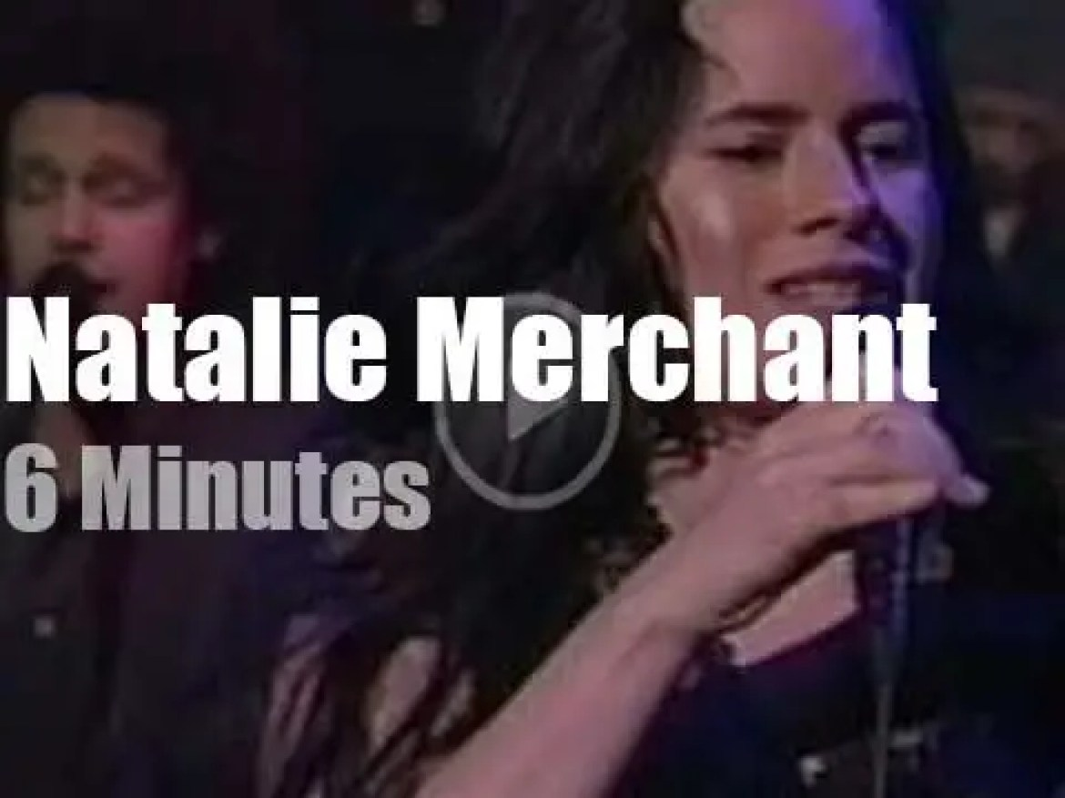 On TV today, Natalie Merchant with David Letterman (2001)