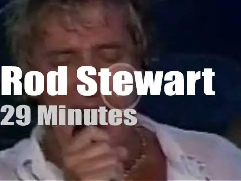 Rod Stewart travels to Acapulco (2002)