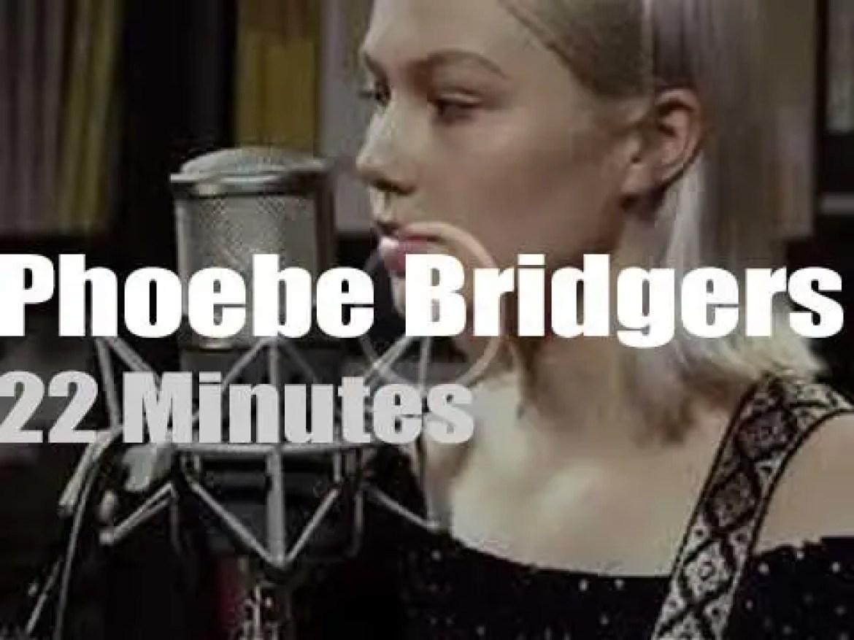 Phoebe Bridgers sings at Paste Studios (2017)