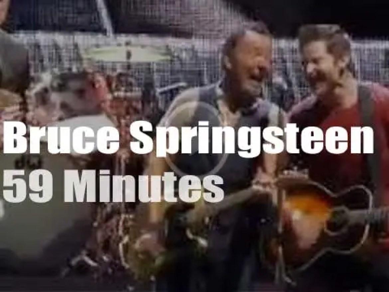 Bruce Springsteen takes 'The River' to Philadelphia (2016)