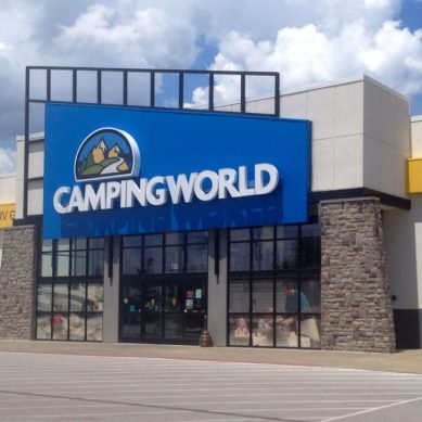 Camping World Offers Work for Furloughed Gov't Workers, Volunteers To Clean Parks