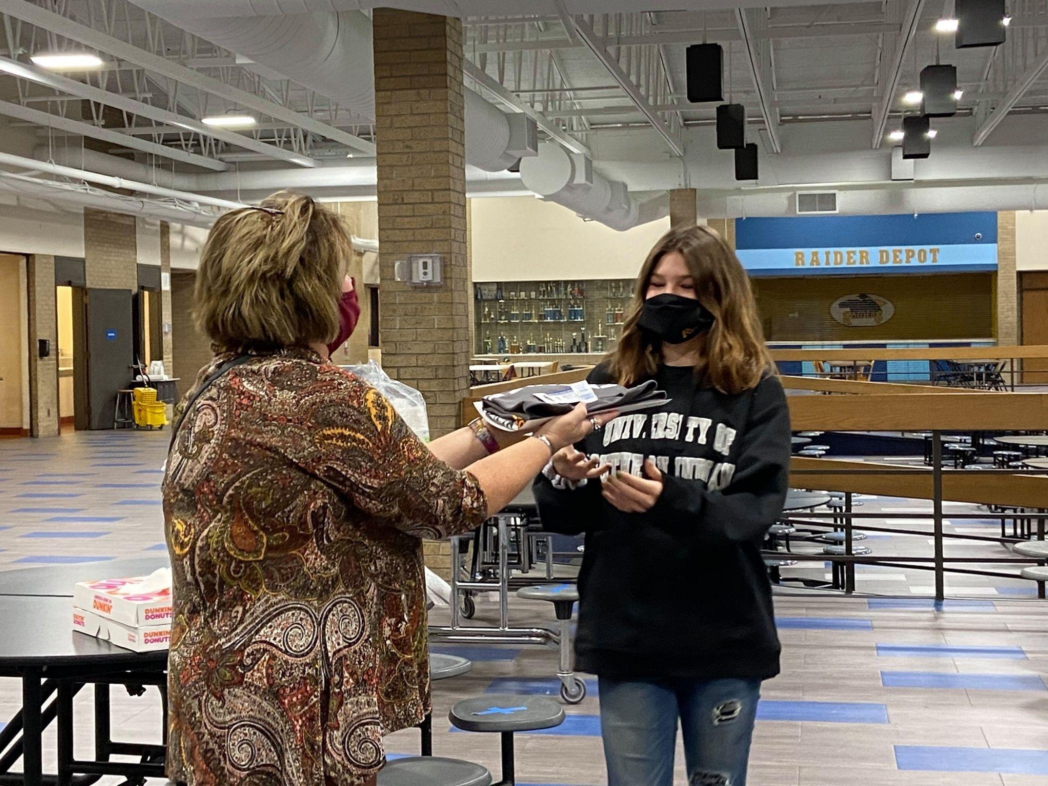 Principal hands student items