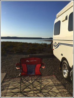 Camping by Elephant Butte Lake
