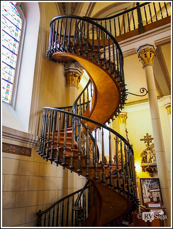 Miraculous-Staircase-in-Loretto-Chapel