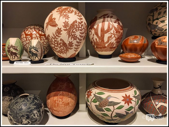 Pottery-with-Relief-Carvings