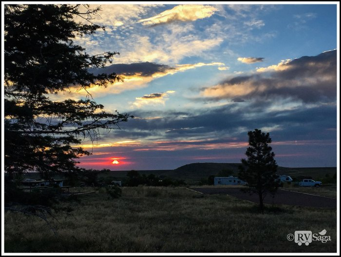 Sunrise-Above-Bear-Creek-Lake-Campground-Near-Denver