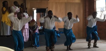 dancer-perform