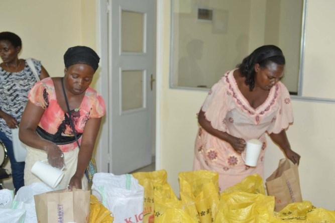 Everyone helps distribute food