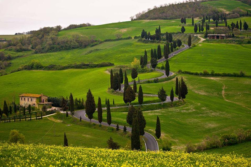 عجائب طبيعية في إيطاليا - وديان توسكانا