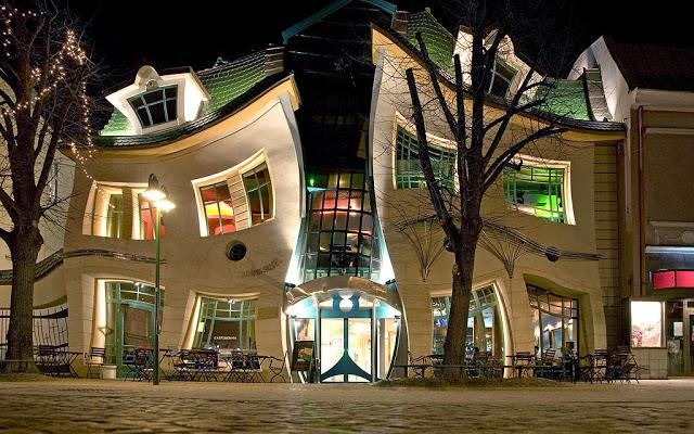 أماكن ساحرة - المبنى المقلوب رأساً على عقب في بولندا