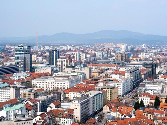 أفضل 12 منطقة جذب سياحي في سلوفينيا