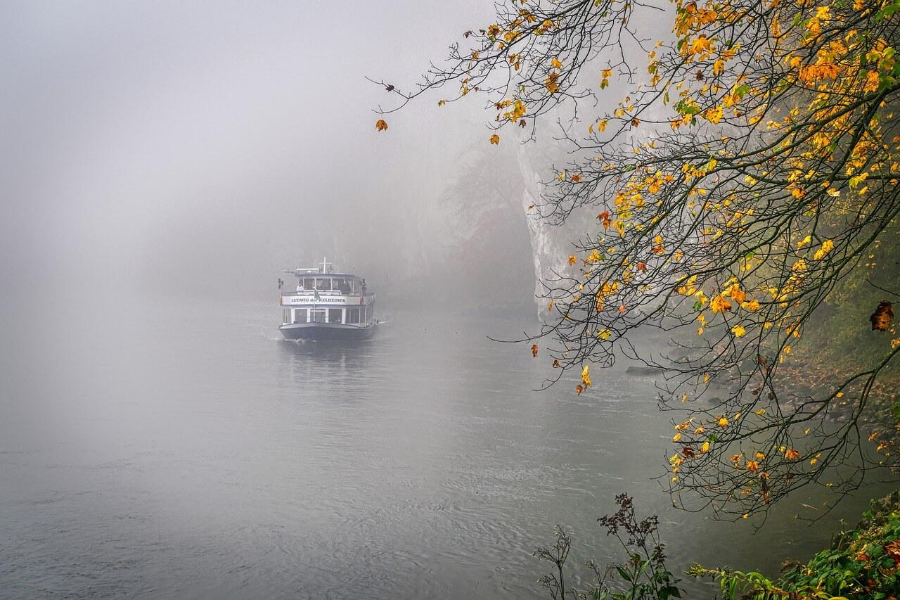 الرحلات النهرية