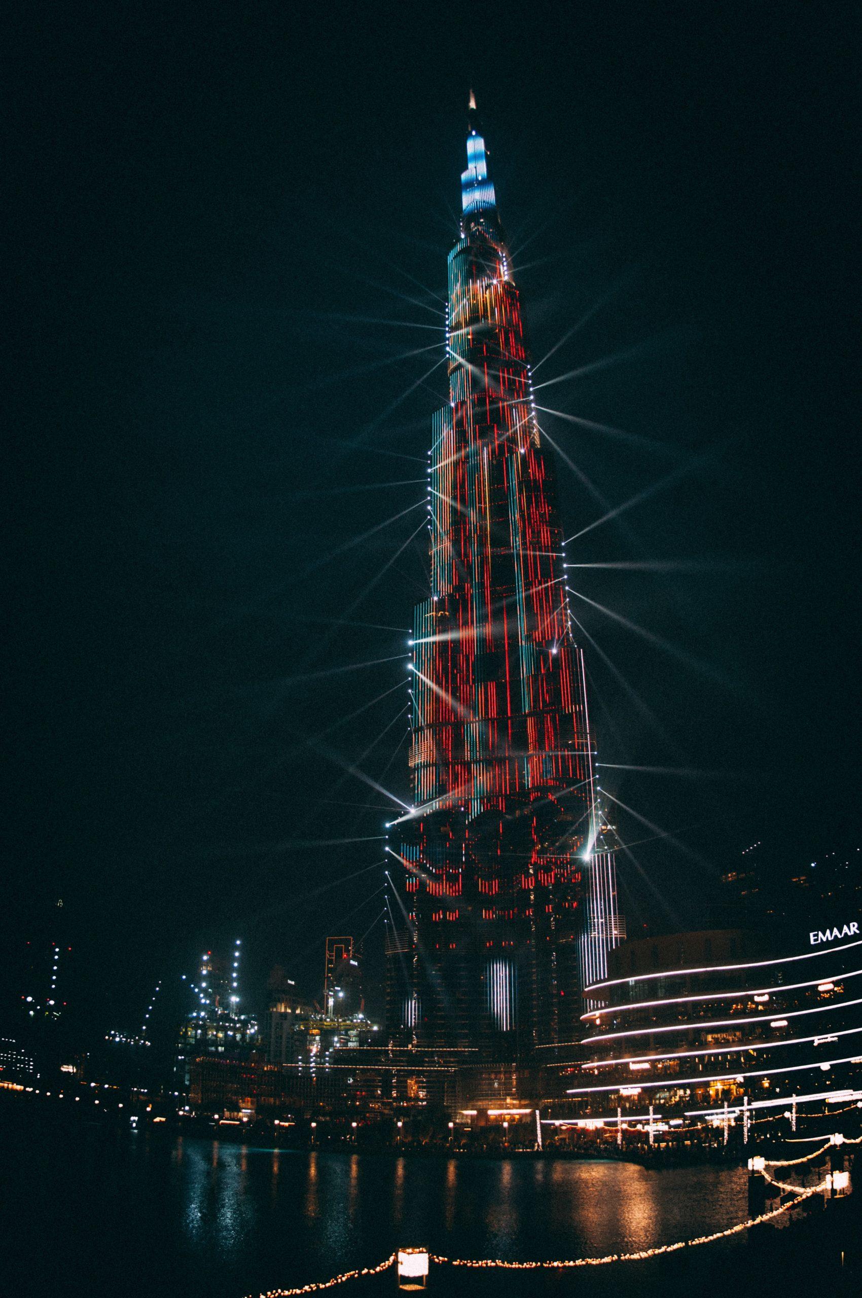 برج خليفة وبعض الحقائق المثيرة للاهتمام عنه