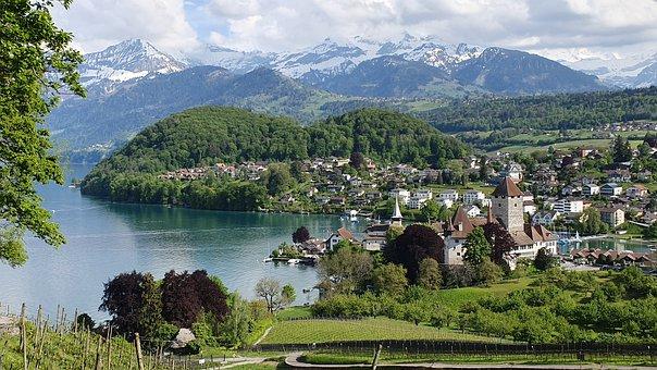 وكأنها من عالم الخيال – أكثر القرى سحراً في سويسرا