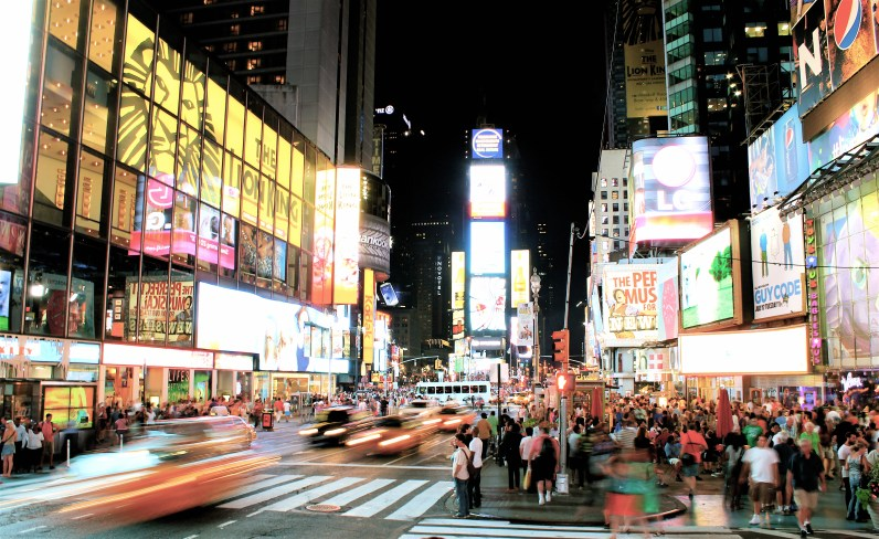 photo, Times Square, yellow cabs