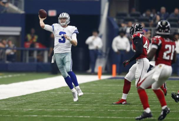 Brandon Weedens second-half performance may have led to a Cowboys loss, but dont tell that to team owner Jerry Jones, who went to bat for his quarterback in a big way.