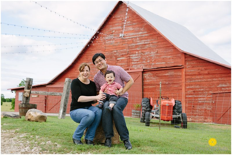 Rustic Grace Red Barn photographer_1749.jpg