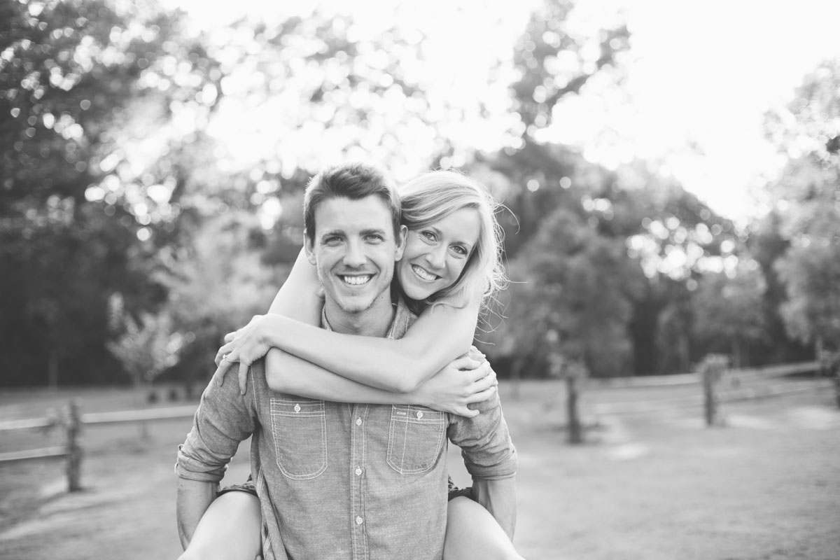 Outdoor Engagement Pictures,