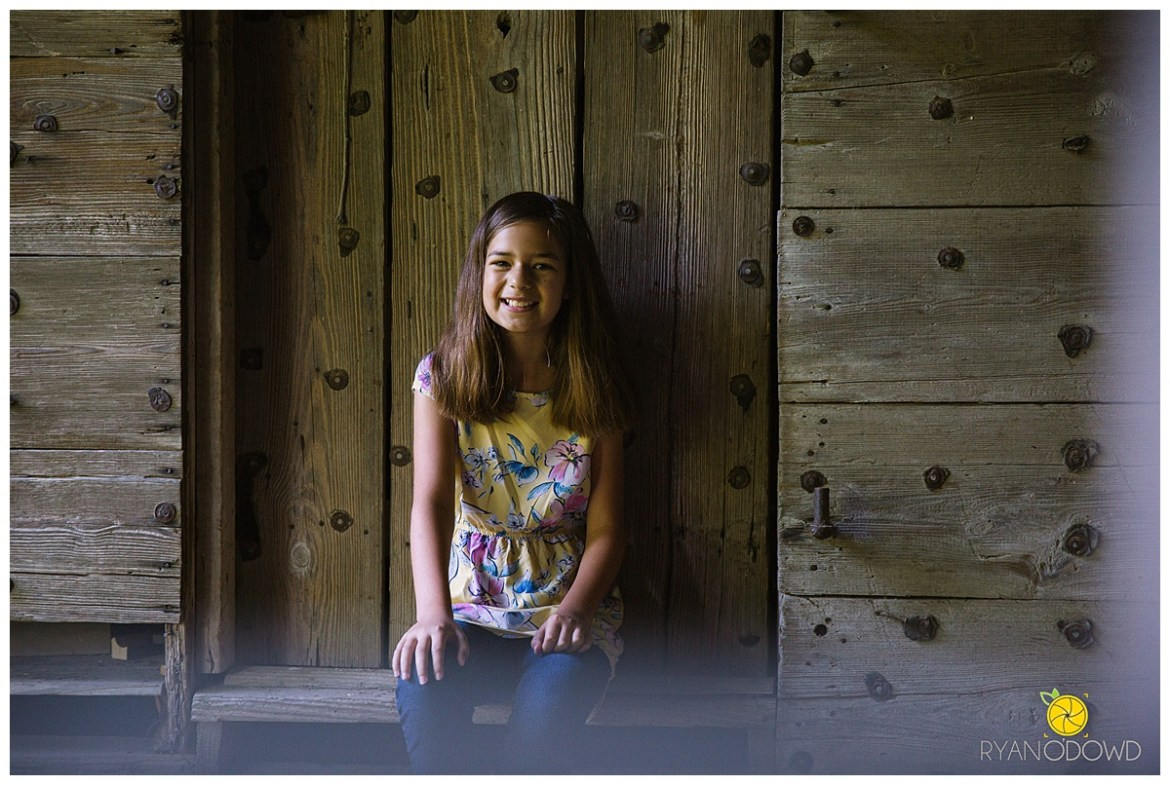 summertime barn family session_0709.jpg