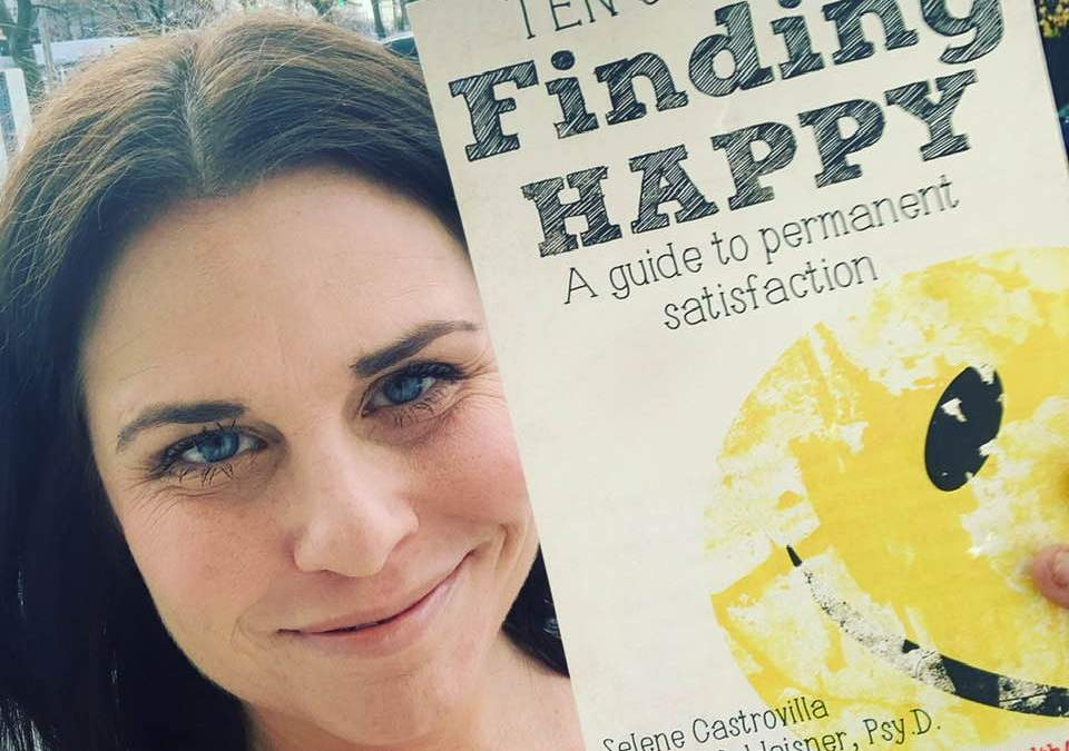 Ten Steps to Finding Happiness featuring Dr. Lindsay Weisner – Writescast 096