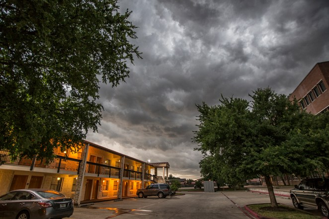 fort worth thunderstorm tornado