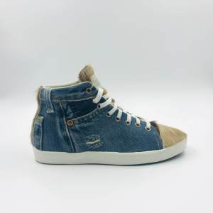 Sneakers light blue / latte