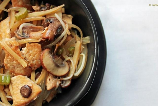 Chicken and Pork Chop Suey - ryeandginger.ca