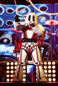 Australian Singing Superstar Revealed As Masked Singer Winning Robot.