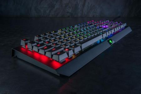【徹底レビュー】圧倒的な爽快感!「Razer BlackWidow X Chroma」FPS向け緑軸ゲーミングキーボード