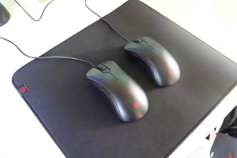 使用マウスパッド「Zowie P-SR」