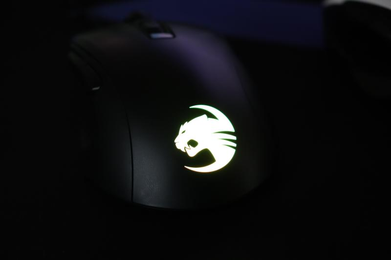 「Kone Pure Ultra」のRGB