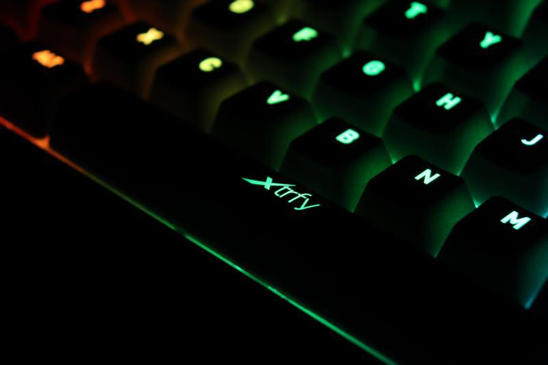 Xtrfy「K4 TKL RGB」のスペースバー