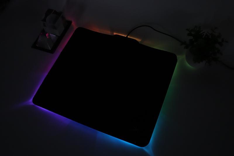 「FURY Ultra」のRGB発光