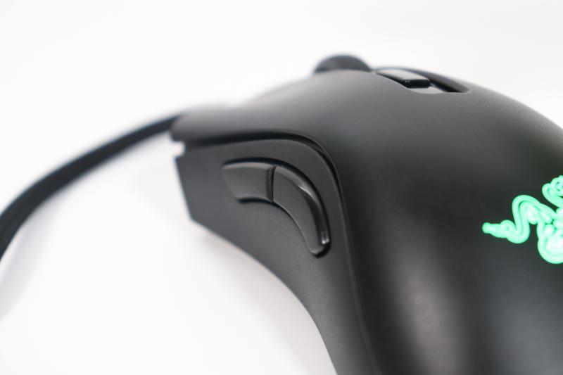 「DeathAdder V2 Mini」サイドボタン