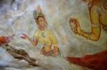 途中、千数百年以上前に書かれた絵を間近で見ることができる。ほとんど奇跡の保存状態。