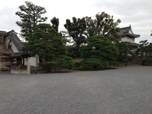 二条城の左側