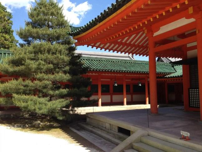 平安神宮 蒼龍楼と神楽殿 写真