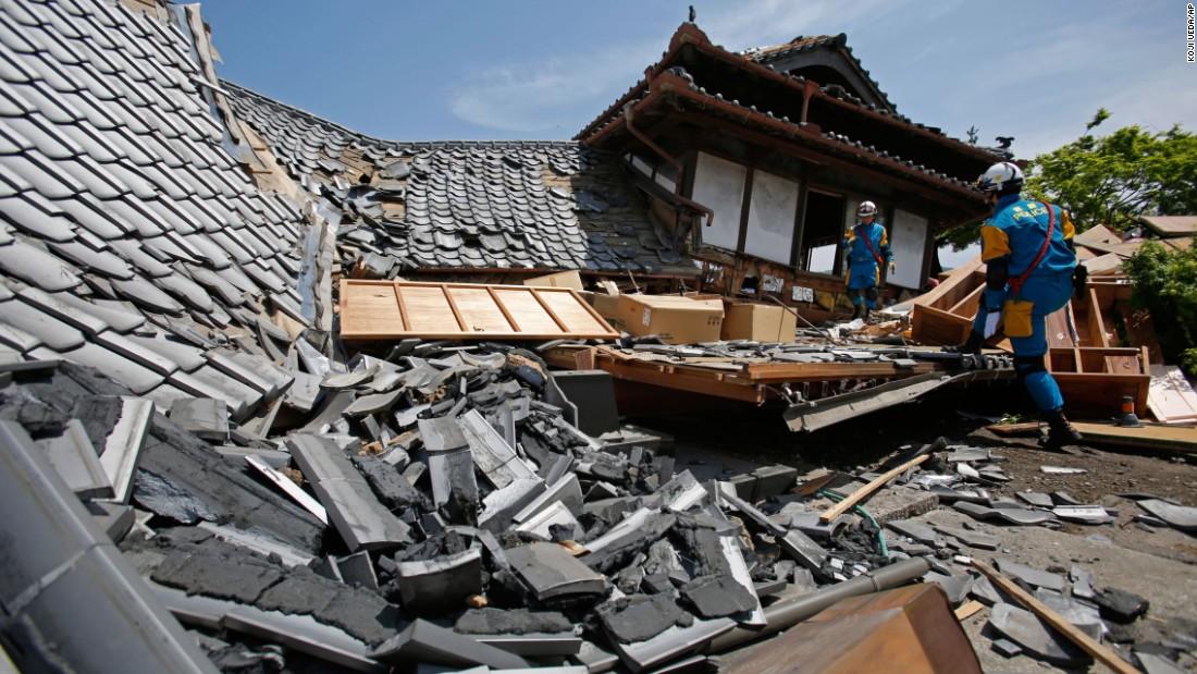 japan-earthquake-0415-super-169