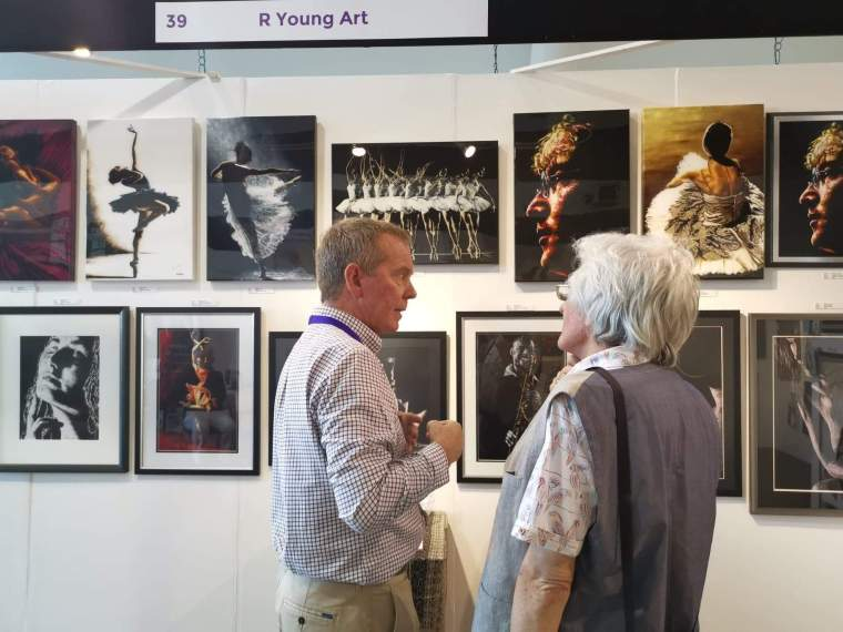 Frequently Asked Questions - FAQ. Exhibitions of Fine Art - At Newbury Contemporary Art Fair 2019