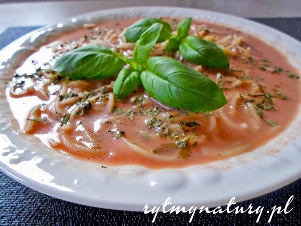 Zupa pomidorowa niezwykle szybka, prosta i zdrowa!