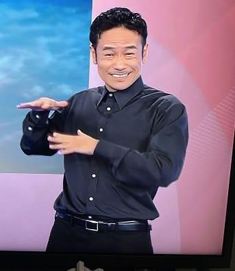 オリンピック閉会式で手話の人と話題になった戸田康之さん