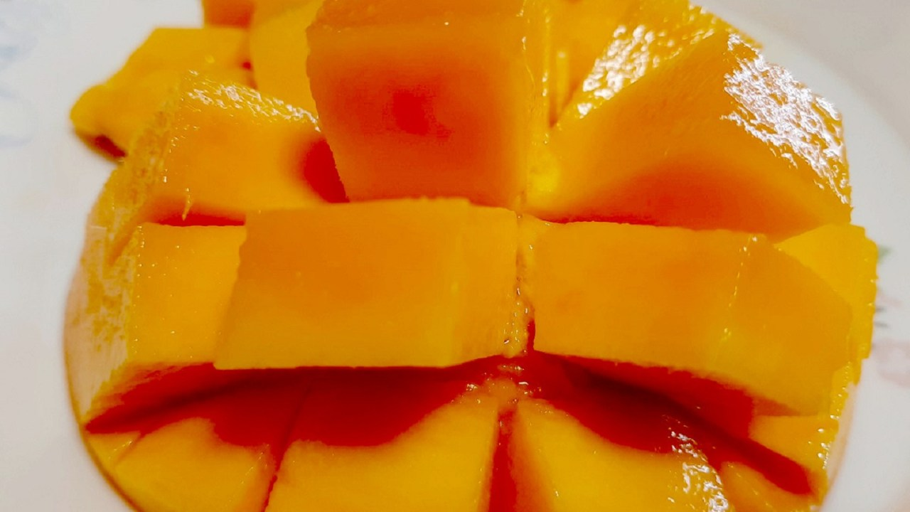 沖縄産マンゴー